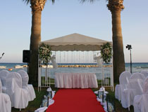 The wedding gazebo at Palm Beach Hotel