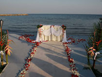A stunning setting for a beach wedding is now available at Four Seasons, Limassol