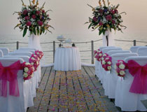 Wedding on the pier at Le Meridien