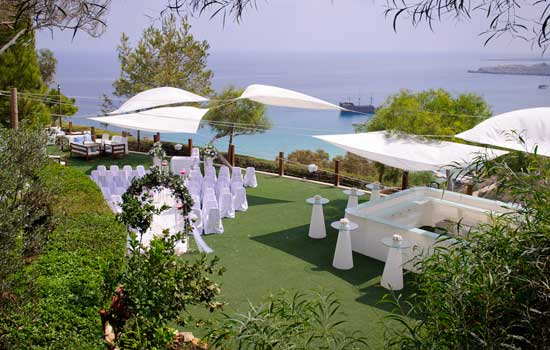 Depending On Your Preference Several Wedding Venues Are Available No Charge Made To Hotels Residents Indoors For Cool Comfort Or